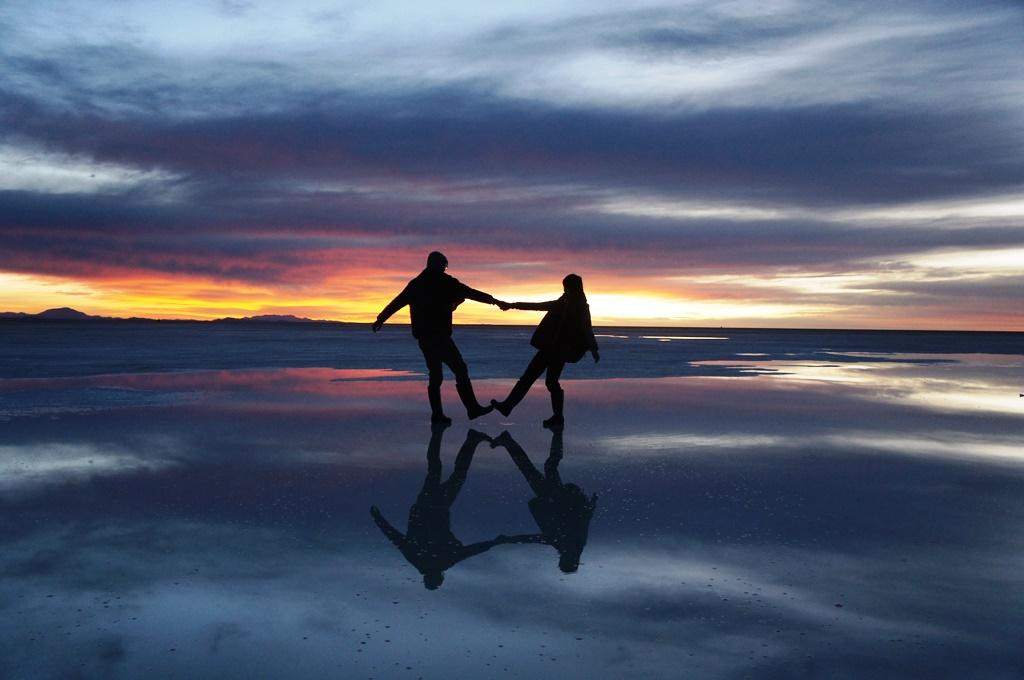 夫とウユニ塩湖にて